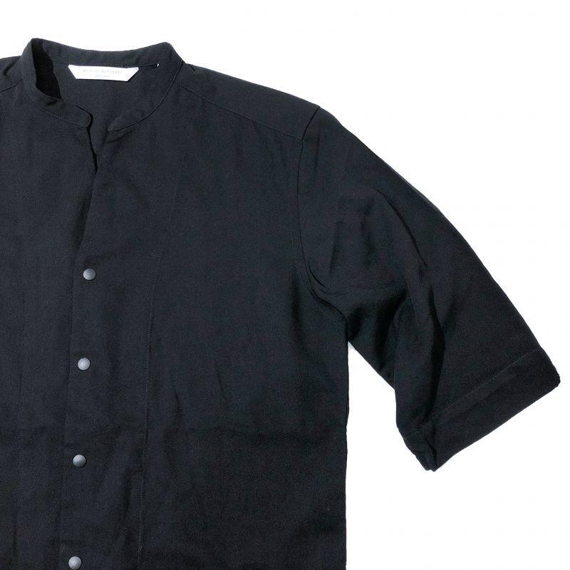 MANUAL ALPHABET TWILL RAYON V-NECK SHIRTS